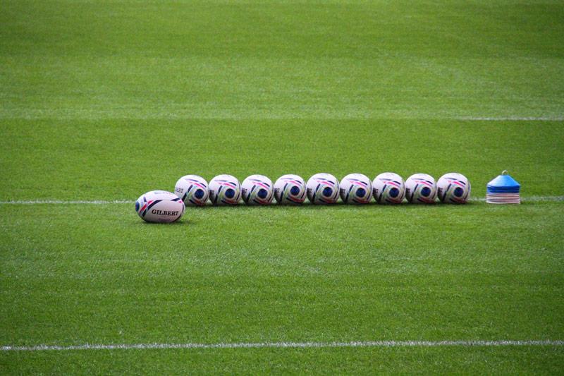 ballons de rugby et plots d entrainement